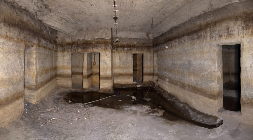 Photo 16 : Chamber in a shelter located beneath an apartment building