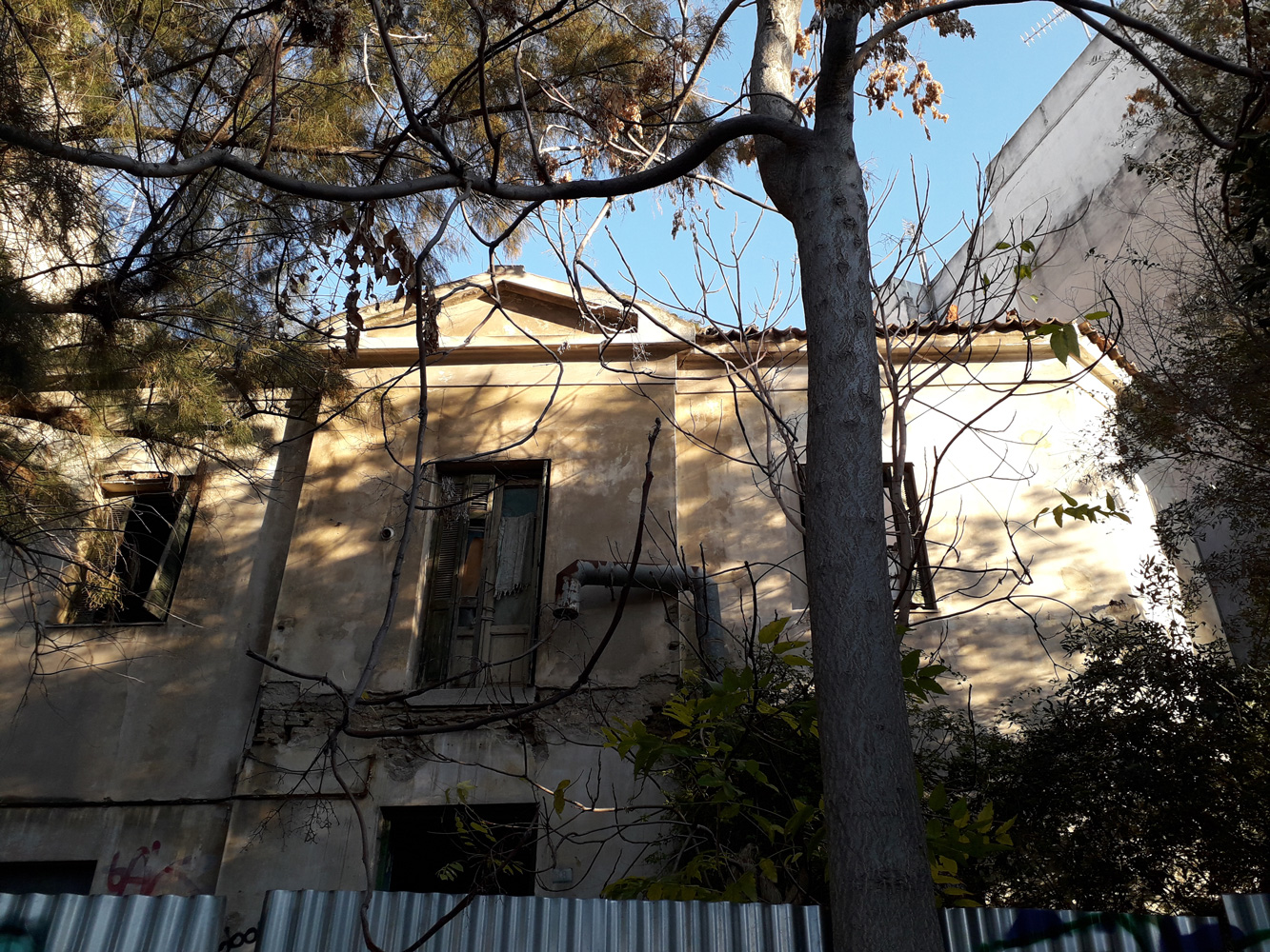 Εικόνα 4:Η οικία Σουρή στο Ν. Φάληρο. Πηγή: Ιωάννης Γεωργικόπουλος