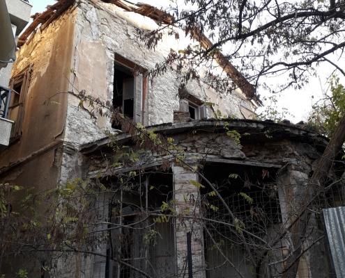 Photo 9: Exemples représentatifs d'architecture mixte teintés d'éléments de néoclassicisme populaire et de haut néoclassicisme à Néo Faliro. Source : Ioannis Georgikopoulos