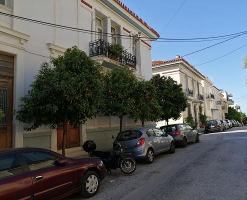 Photos 4: Au-dessus de la limite imaginaire des rues Zacharitsa et Tsami Karatasou. Source: G Dimitropoulos 2020