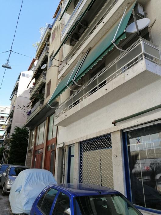 Photos 5: Sous la limite imaginaire des rues Zacharitsa et Tsami Karatasou. Source: G Dimitropoulos 2020
